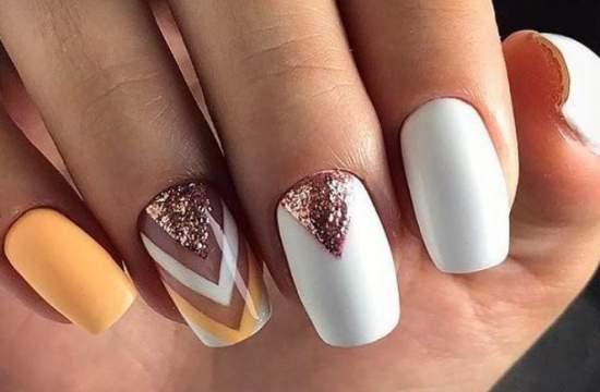 В який колір не варто фарбувати нігті?