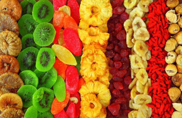 Сухофрукти - це вітаміни, які прийдуть на допомогу у будь-яку пору року. У них зберігається велика кількість корисних властивостей для організму.