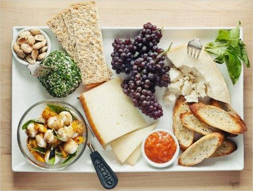 Тобі здається, що список продуктів при правильному харчуванні дуже обмежений - фрукти, овочі, курка, сир і все? Насправді продуктів та страв, які допо