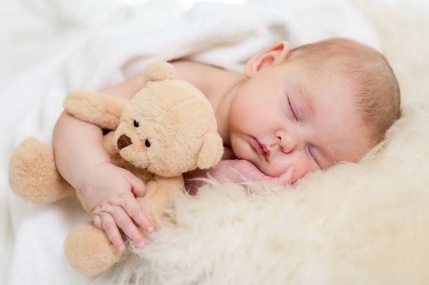 Вчені розповіли, що спокійні немовлята більш схильні до ожиріння, ніж активні.