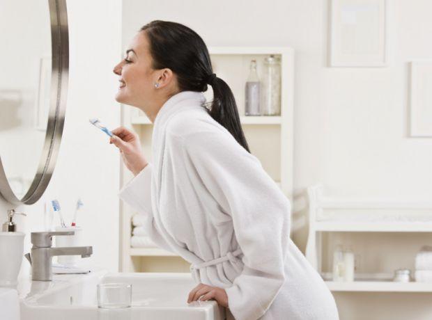 До і під час вагітності варто пам'ятати, що здоров'я ротової порожнини залежить тільки від наших зусиль. Тому важливо приділяти зубів і ясен необхідну
