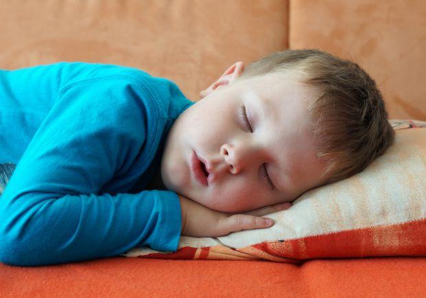 Якщо дитина відмовляється зранку вставати, щоб йти в садок чи до школи, на це може бути декілька причин. Які саме - читайте у матеріалі.