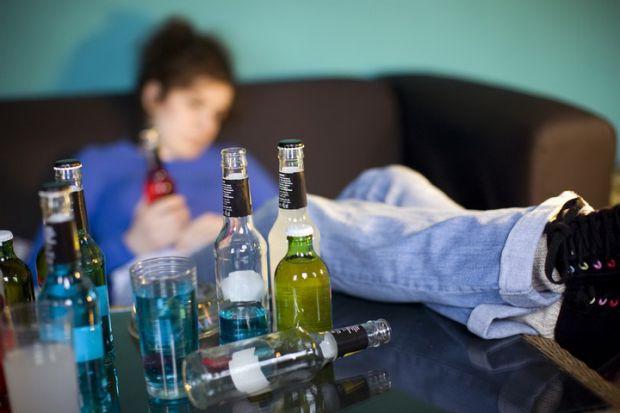 Наукові співробітники розповіли, які аргументи потрібно приводити дітям, щоб запобігти тягу до спиртних напоїв.