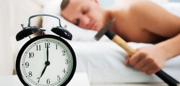 Медики встановили, що біологічний годинник людини можна «переналаштувати» і пояснили, як висипатися «совам» і «жайворонкам».