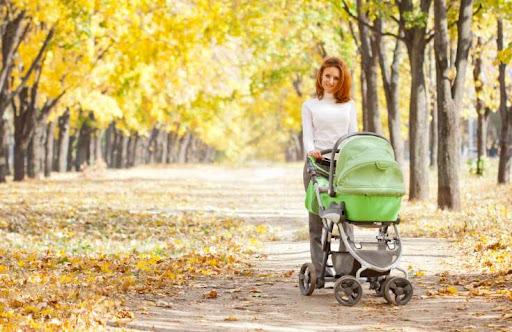 Перебування і сон на свіжому повітрі дитині дуже потрібні, але немає жодної потреби, щоб у цей час її катали в колясці. Про це повідомив відомий украї