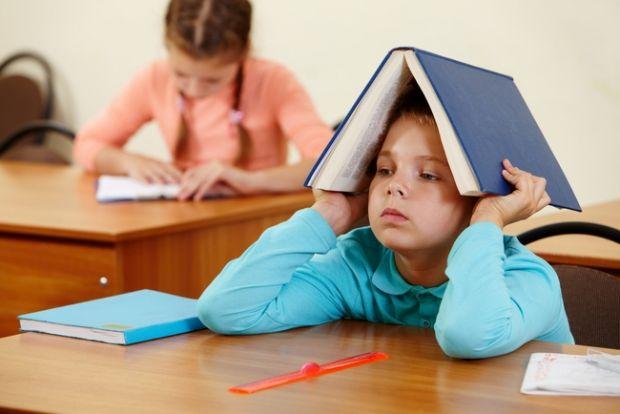 Якщо дитина категорично проти навчання у школі.Що робити, якщо дитина вередує і відмовляється іти до школи? Як допомогти малюкові почувати себе у школ