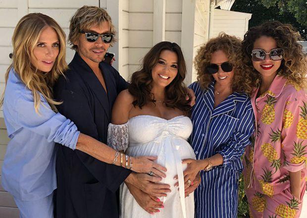 Акторка Єва Лонгорія незабаром стане вперше мамою.