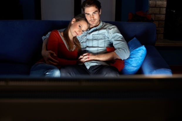 Як телевізор впливає на інтимне життя пари?