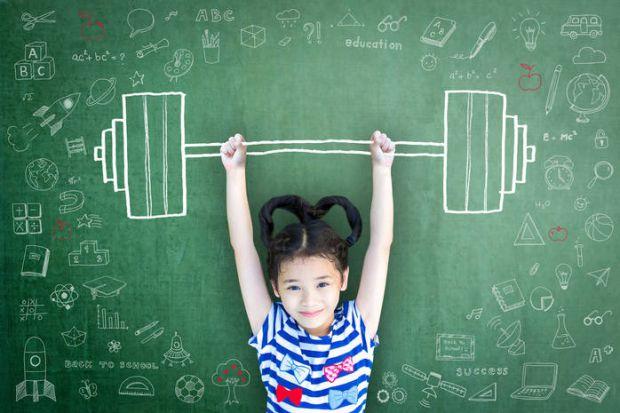 Батьки маленьких дівчаток часто задаються питанням про те, яким видом спорту краще всього займатися малятку.