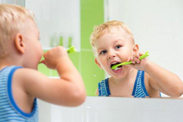 Дитина готова чистити зубки?