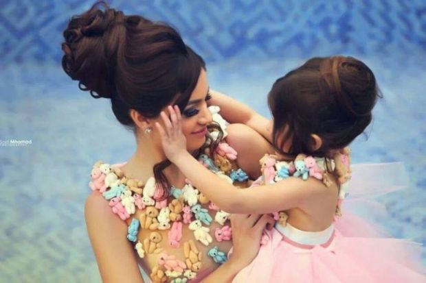 0645_17442110-r3l8t8d-650-cute-mommy-daughter-matching-outfit-ideas.jpg (34.78 Kb)