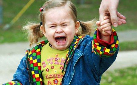 До вашої уваги 5 порад, які вам допоможуть, коли важко втриматись і бути спокійним під час дитячих істерик на людях.