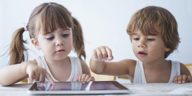 Від чого варто вчасно позбутися, щоб виростити розвинену і здорову дитину? Читайте у матеріалі.