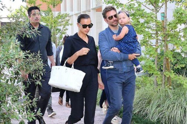 Стильний татусь: Бредлі Купер вийшов на прогулянку з донькою Леєю