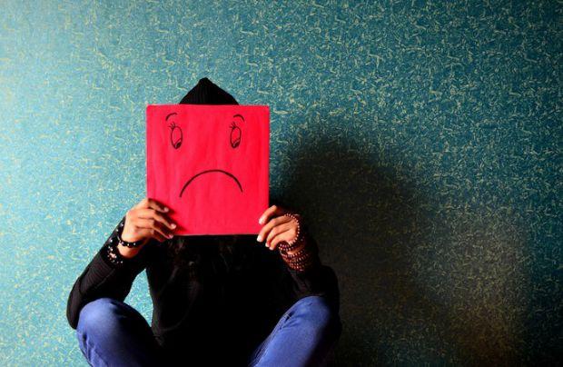 Багато людей не розуміють, у них депресія чи просто поганий настрій. Відрізнити цих два стани можна за деякими ознаками, якими саме - читайте далі.