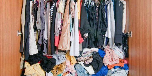 Як зберігати одяг і взуття - читайте у матеріалі.
