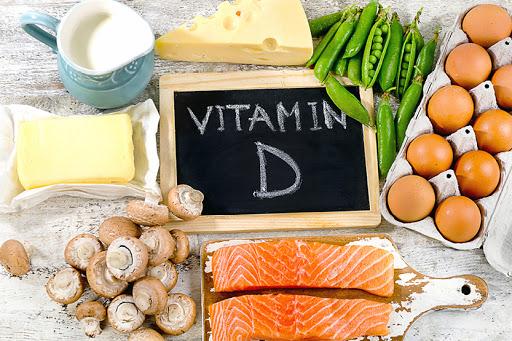 Вітамін D потрібно приймати усім протягом весни, осені і зими, окрім літа! Але більшість людей про це не знає, або ж нехтує цією порадою. Але фахівці