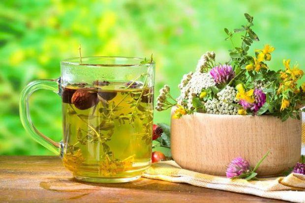 Відмінні народні рецепти, які допоможуть позбутися сухого кашлю і болю в горлі.