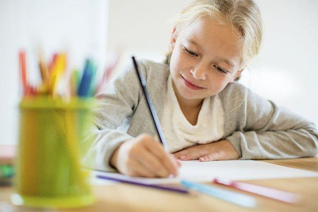 Ці вправи не варто давати першокласникам з несталим почерком, краще дочекатися, поки дитина почне писати нехай некрасиво, але швидко і впевнено.