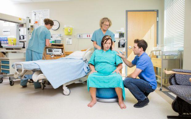 Для кожної майбутньої мами період очікування малюка є дуже хвилюючим і стресовим. Адже вагітна усвідомлює, що доведеться відчути чималий біль для того