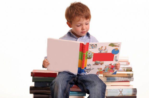 Ми розповіли про 4 способи, як привчити дитину до читання.