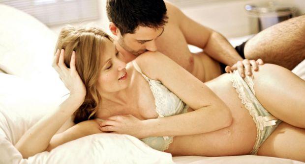 Поговоримо про вагітність, секс і найзручніші пози для інтиму.Як відомо, перший триместр вагітності не надто відбивається на фігурі жінки, а тому парт