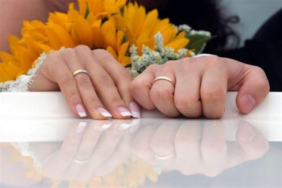 Весілля – один з найважливіших і водночас найромантичніших моментів в житті кожної людини. Традиційно весільній церемонії передує обряд заручин.
