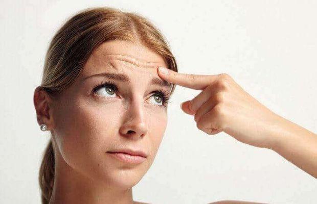 Медики розповіли, що глибокі зморшки на лобі можуть свідчити про слабке здоров'я, а не тільки про старість.
