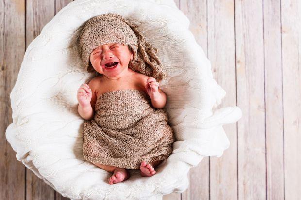 Немовля починає плакати, у чому причина - ви знайдете у матеріалі.