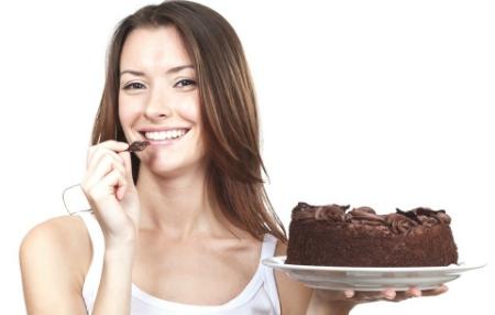 Вважаєш подругою, яка їсть, скільки хоче, і не товстіє, відьмою? Розслабся - секрет у правильному харчуванні.