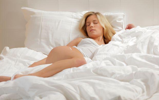 Медики з Німеччини з'ясували, що відтворення звуків у ритмі повільних коливань мозку людини, що спить, посилить ці коливання, підвищить пам'ять і полі