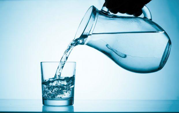 Американські академіки з Університету штату Північна Кароліна розповіли, що відмова від водопровідної води збільшує ризик карієсу у дітей в декілька р