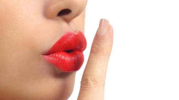 На жаль, не всім жінкам пощастило з пухкими губами, але це не причина впадати в депресію. У нас є кілька корисних порад, як змінити твої вузькі губки