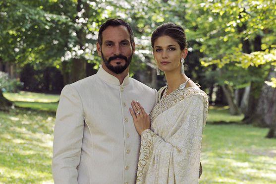 Навесні стало відомо, що наслідний принц Рахім Ага Хан зробив пропозицію своїй коханій - 25-річної моделі Кендрі Спірс.