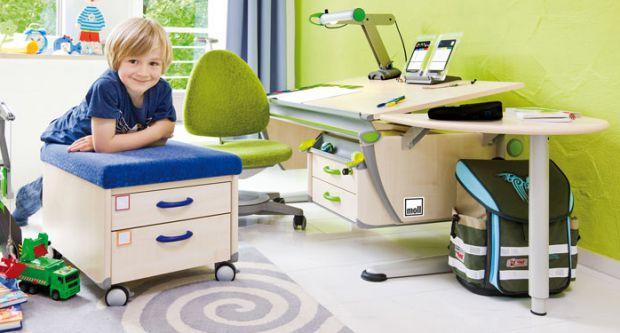 При обустройстве детской комнаты, особое внимание родителям следует уделить организации рабочего пространства ребенка. Предлагаем Вам пять простых пра