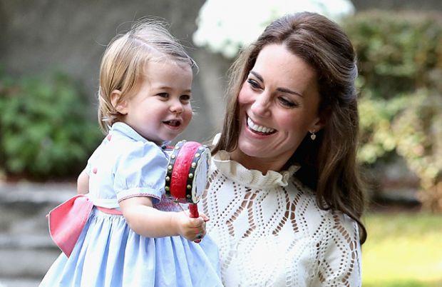 А все завдяки матусям, які захоплено стежать за королівською дитиною. Повідомляє сайт Наша мама.