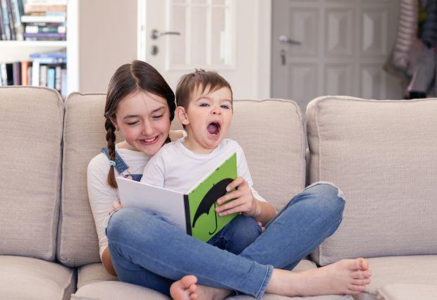 Ви придбали чудову книжку казок, а малюк відмовляється висидіти поруч хоч хвилину?