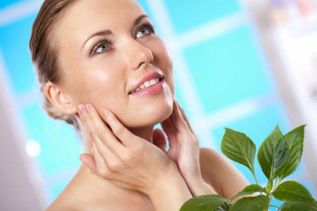 Чудодійний крем для обличчя подарує вам небувалу красу і ніжність шкіри обличчя, допоможе розгладити зморшки і тонізувати шкіру.