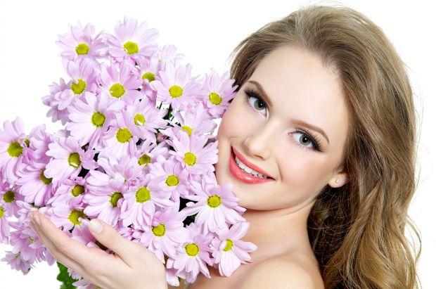Головна запорука краси – це здоровий спосіб життя. Правильне, збалансоване харчування допоможе уникнути суворих дієт, після яких шкіра втрачає пружніс