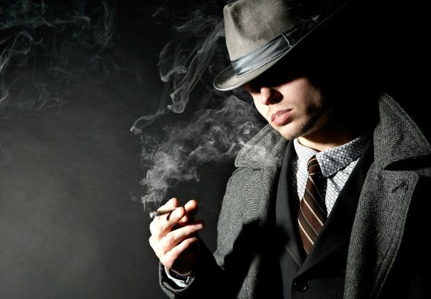 1179_man-hat-cigarette-smoke-suits-jackets-coats-shade.jpg (41.61 Kb)