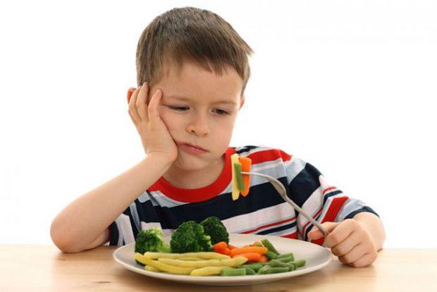 Наукові співробітники розповіли, що під час проведення комплексних випробувань їм вдалося дізнатися, чому діти не дуже полюблять вживати овочі і фрукт