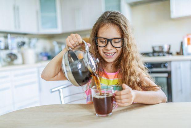 Напої для дітей є не тільки способом для втамування спраги. Перш за все, вони збагачують зростаючий організм різними корисними мікроелементами і вітам