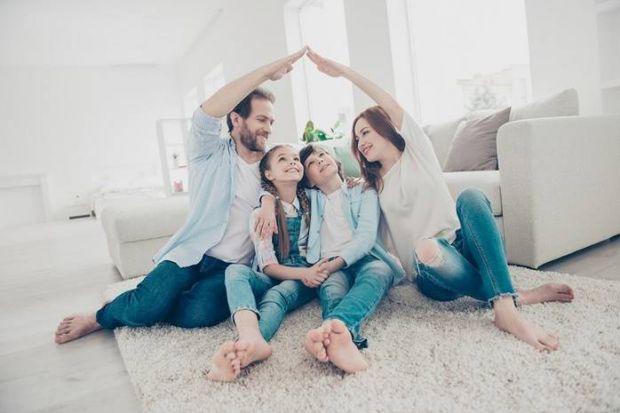 Коли люди одружуються, вони мріють бути щасливими до кінця своїх днів. Але сімейне життя не завжди безхмарне. І є істини про шлюб, які краще дізнатися
