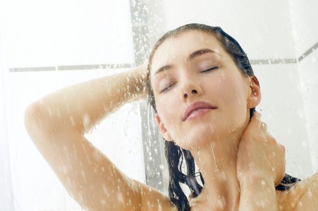 Люди, які страждають зайвою вагою, постійно шукають можливостей її позбутись. Найлегшим способом є прохолодний душ!