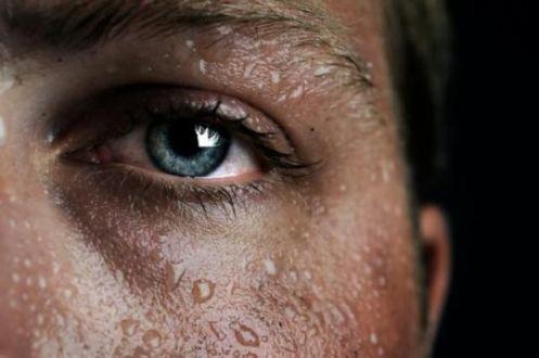 Нещодавно вчені провели дослідження і з'ясували, чому людина пітніє коли знаходиться у стресовій ситуації або нервується.