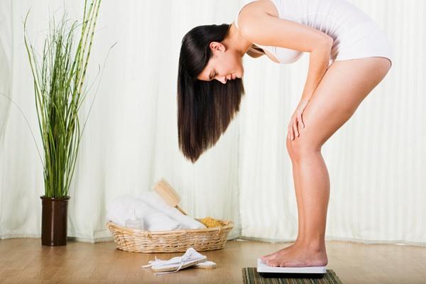 Всього кілька простих правил дозволять вам різко скоротити кількість споживаних калорій і, відповідно, зменшити масу тіла без особливих зусиль.