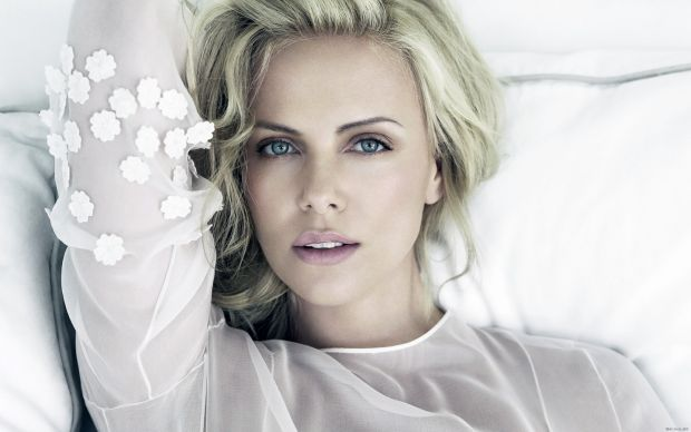 1325_31625_charlize_theron.jpg (30.15 Kb)
