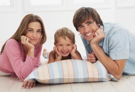 Як відомо, традиційна модель сім'ї: батько-годувальник, мати - домогосподарка дуже довго панував в Україні та світі. Проте, час не стоїть на місці. і