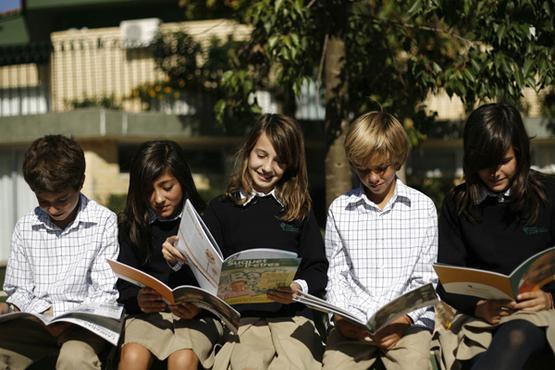 Дуже часто перед батьками, чиї діти навчаються у державних школах, постає питання: чи не перевести дитину до приватної школи. Та для цього потрібно зн
