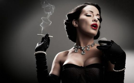 У рейтингу одного американського агентства найсексуальнішою, смертельно небезпечною і фатальною жінкою Голлівуду в 2007 року визнана Керрі Вашингтон,